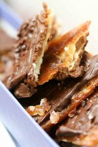 Caramelized matzoh crunch