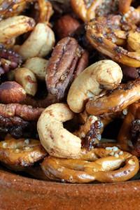 spiced nut pretzel mix