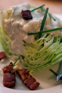 iceberg salad with blue cheese dressing