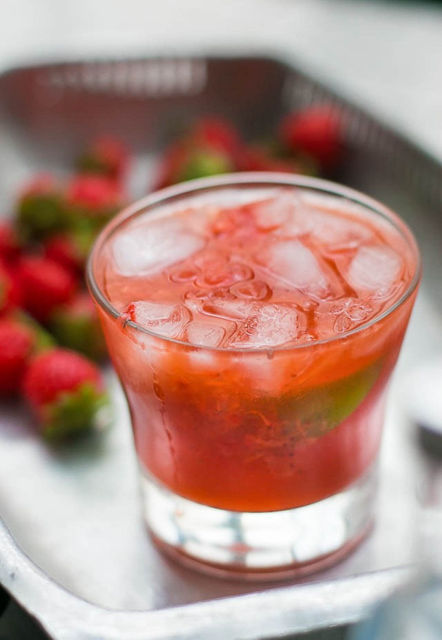 Strawberry Cooler Cocktail recipe