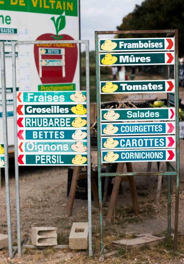 La Ferme de Viltain you-pick signs