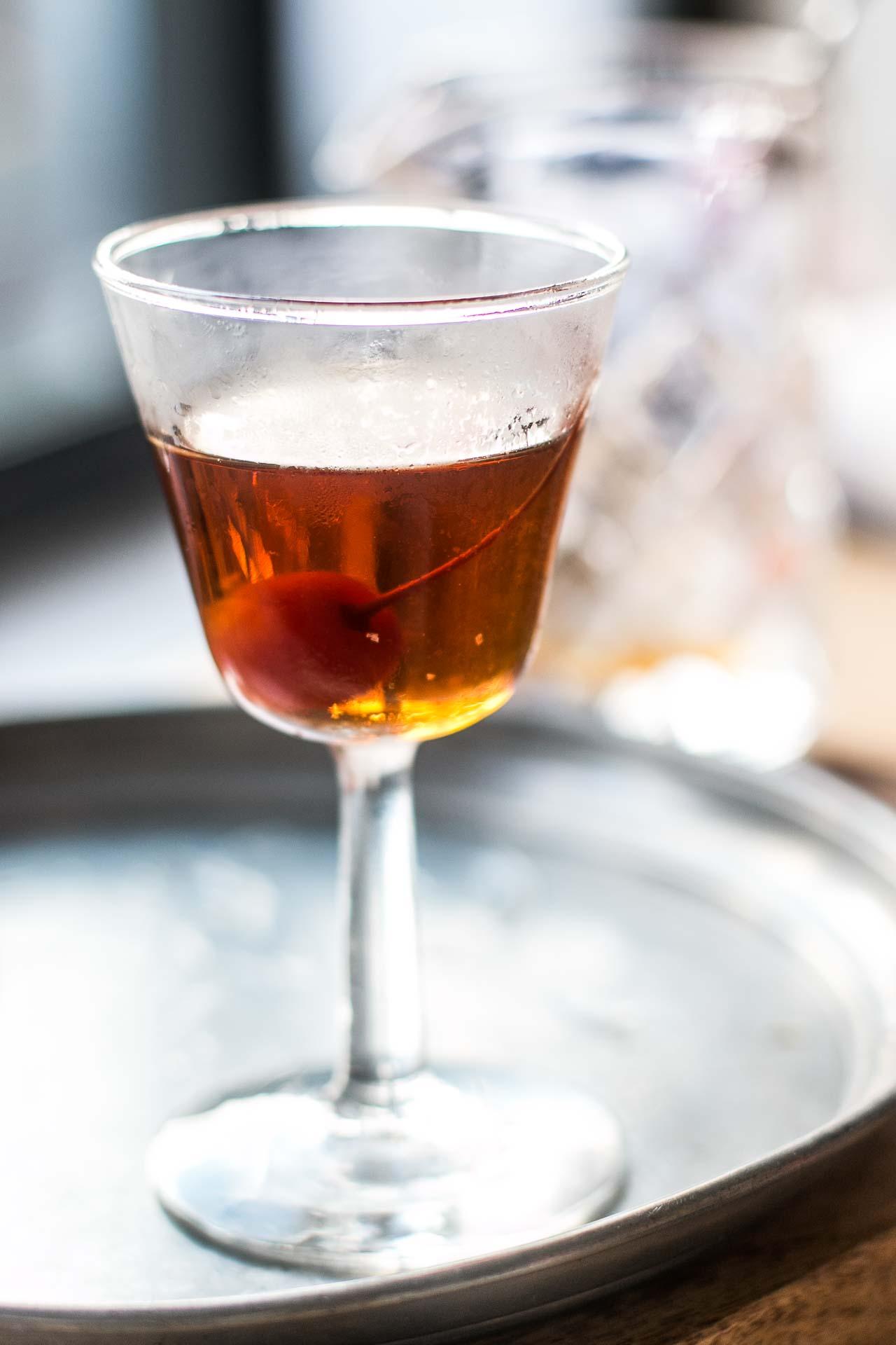 Black manhattan cocktail for Manhattan cocktail